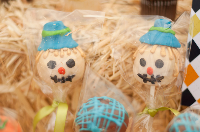 Pumpkin Party | Scarecrow Cake Pops