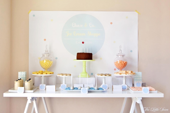 Ice-Cream-Dessert-Table