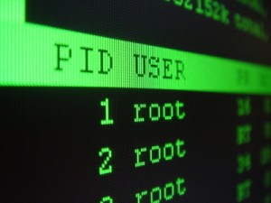Saber el nombre del procesos por su PID y reiniciarlo en Linux