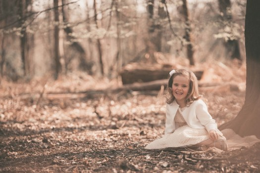 kinderfoto kidsfoto kinderfotograaf kidsfotograaf spontane foto spontaan nostalgisch retro ann-elise lietaert ieper roeselare poperinge west-vlaanderen-2