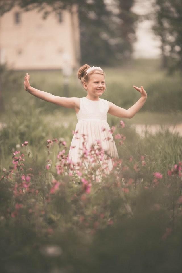 ann-elise kinderfotografie kidsfoto lentefeest communie communiereportage communieshoot romantisch puur spontaan spontane ann-elise lietaert 5