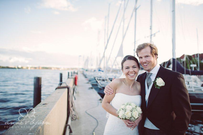 0057 mul aub 22944 bearbeitet - Melina & Lars - Hochzeit im Kieler Jachtclub
