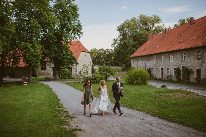 0032 lul rittergut lucklum d75 4125 - Hochzeit auf dem Rittergut Lucklum - Laura & Lucas