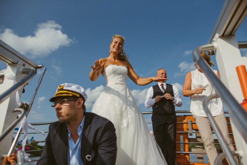 0085 dany sebastian hh d76 4889 - Bunte Hochzeit auf der Elbe - Daniela & Sebastian