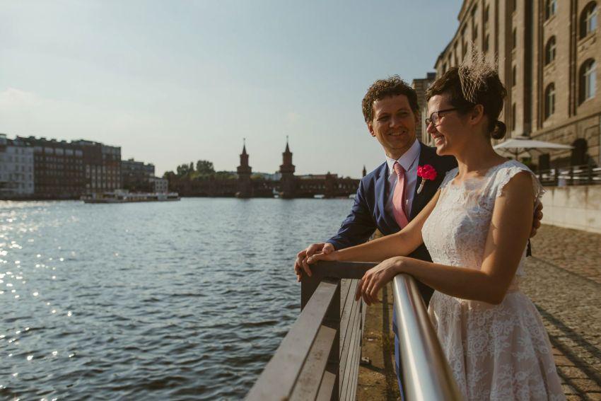 0050 sylwiaundchris d76 3935 - Bunte DIY Hochzeit in der Fabrik 23 - Berlin