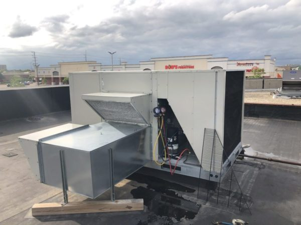 Maintenance & Repairs to Commercial Roof Top Units Air Conditioning in Schaumburg IL May 26th 2019