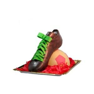 Bota de fútbol y balón de chocolate con Leche