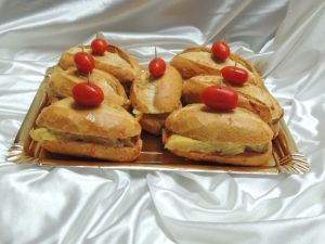 Bocadillos de Tortilla con tomate Cherry