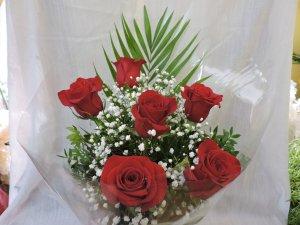 Ramo de 6 rosas sin papel