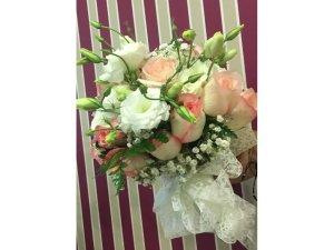 Ramo de Rosas y Flores de tonos rosas