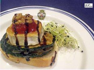 Vegetariano. Calabacín, nueces y queso de cabra.