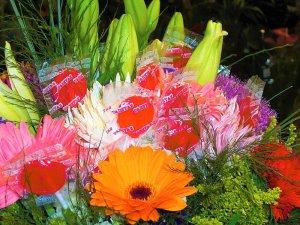 Ramo de Flores Variado con piruletas