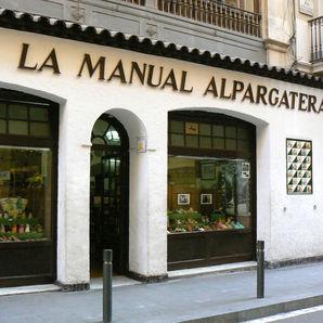 Spots to Visit in Barcelona, Spain: La Manual Alpargatera, Barcelona