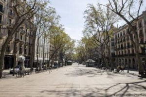 an impressive image of the empty Rambla