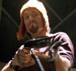 Adam Baldwin interpreta al fornido y entrañable Jayne.