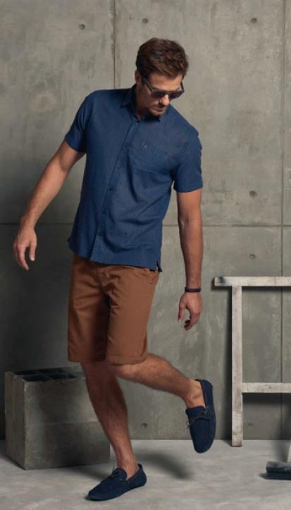 bermuda-marron-e-camisa-azul-aramis