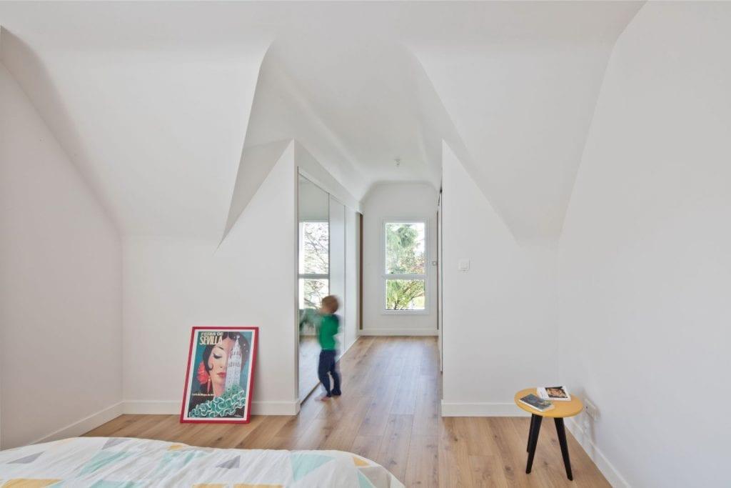Archibien Rénovation d'une maison Néo Bretonne dans le Morbihan. Belle chambre parentale lumineuse.