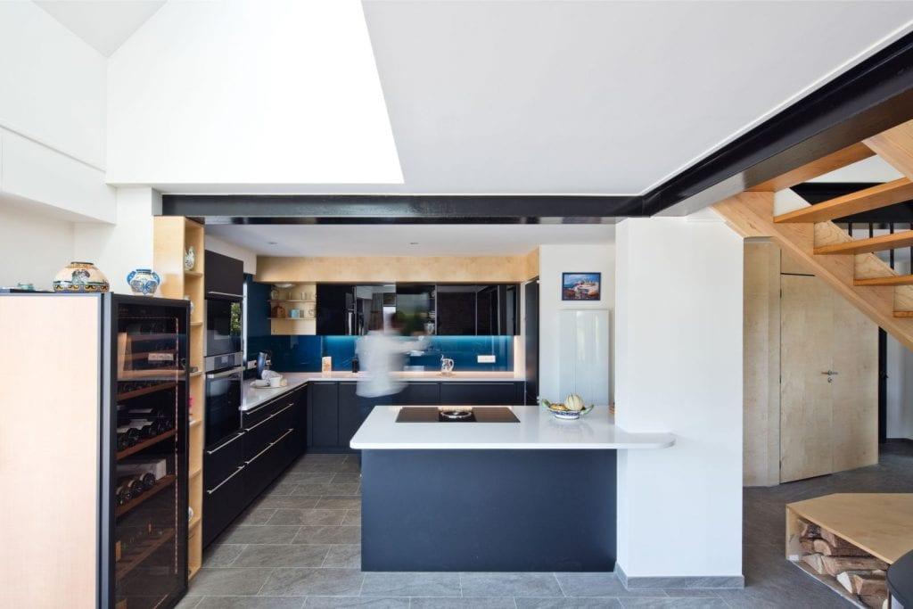 Rénovation et extension d'une maison secondaire projet Archibien cuisine ouverte