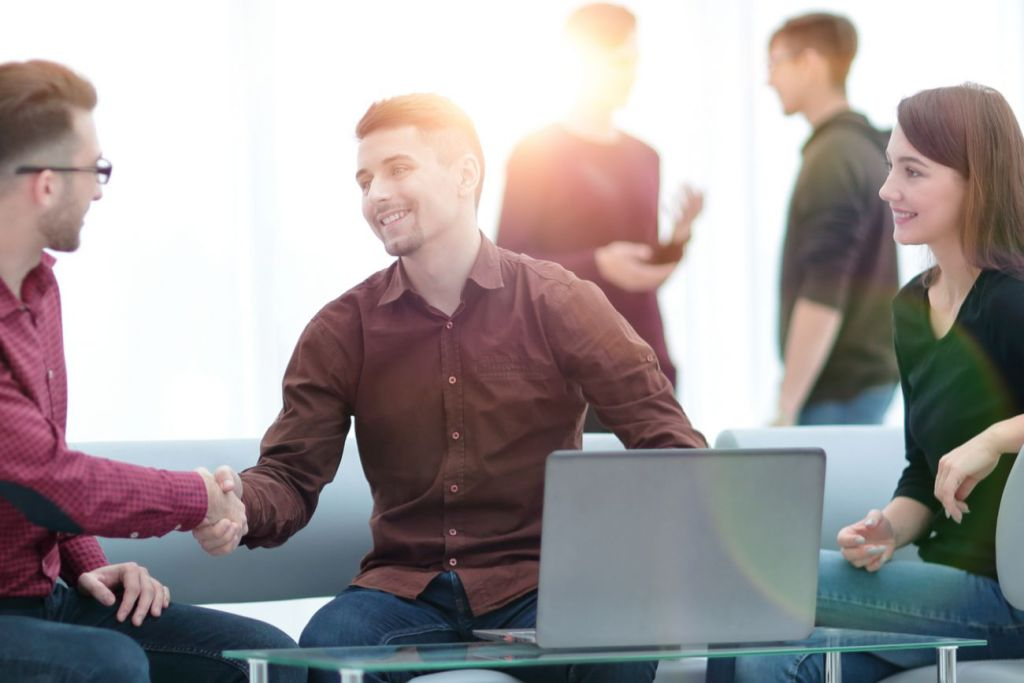 4 Important Social Skills You Need to Succeed at Work