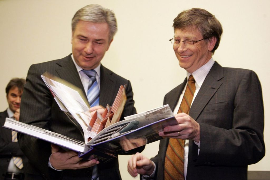 Bill Gates Is Giving Away Free Copies of One of the Most Important Books He's Read to All College Graduates -- Here's How to Get Yours
