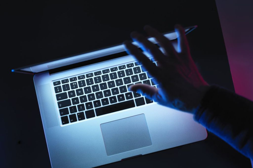 Internet Users Worry About Online Privacy but Feel Powerless to do Much About It