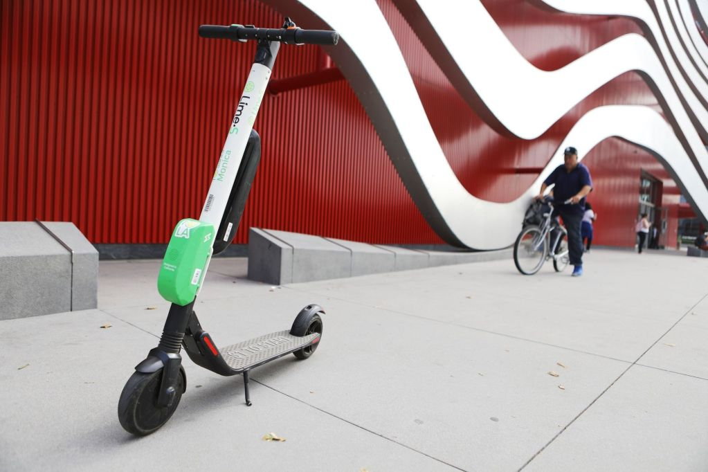 Are Electric Scooters Awesome or Terrible? A Look at the Pros and Cons.