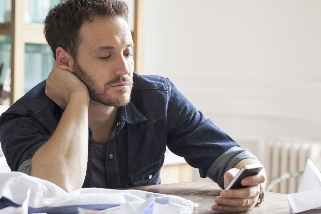 Using the 'Whenever' Rule to Not Feel Crappy About Your Social Media Feed