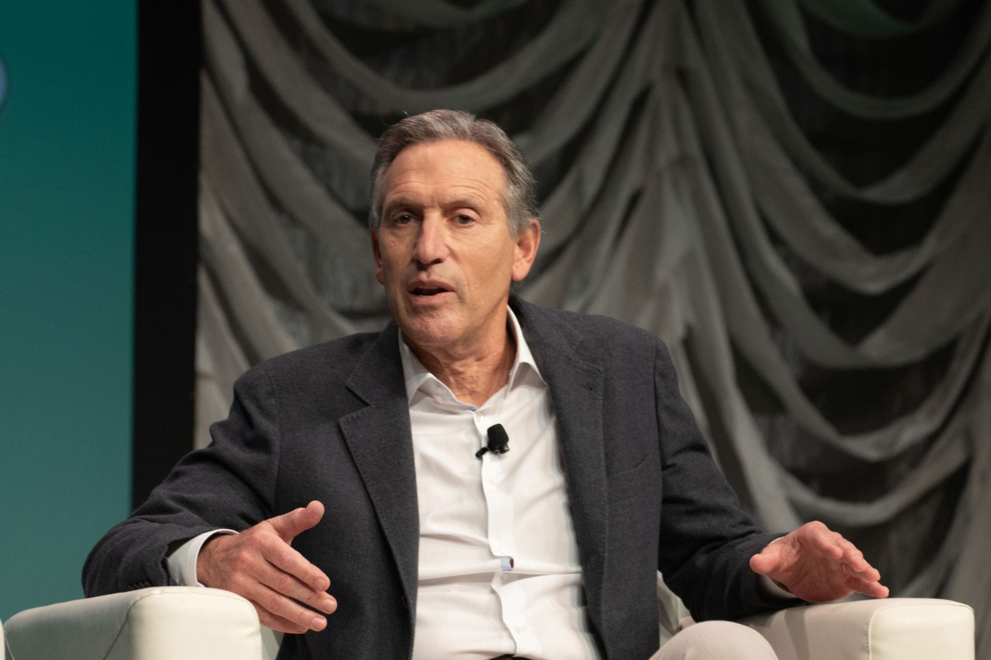 Howard Schultz Calls This Business Book Author His 'Mentor'