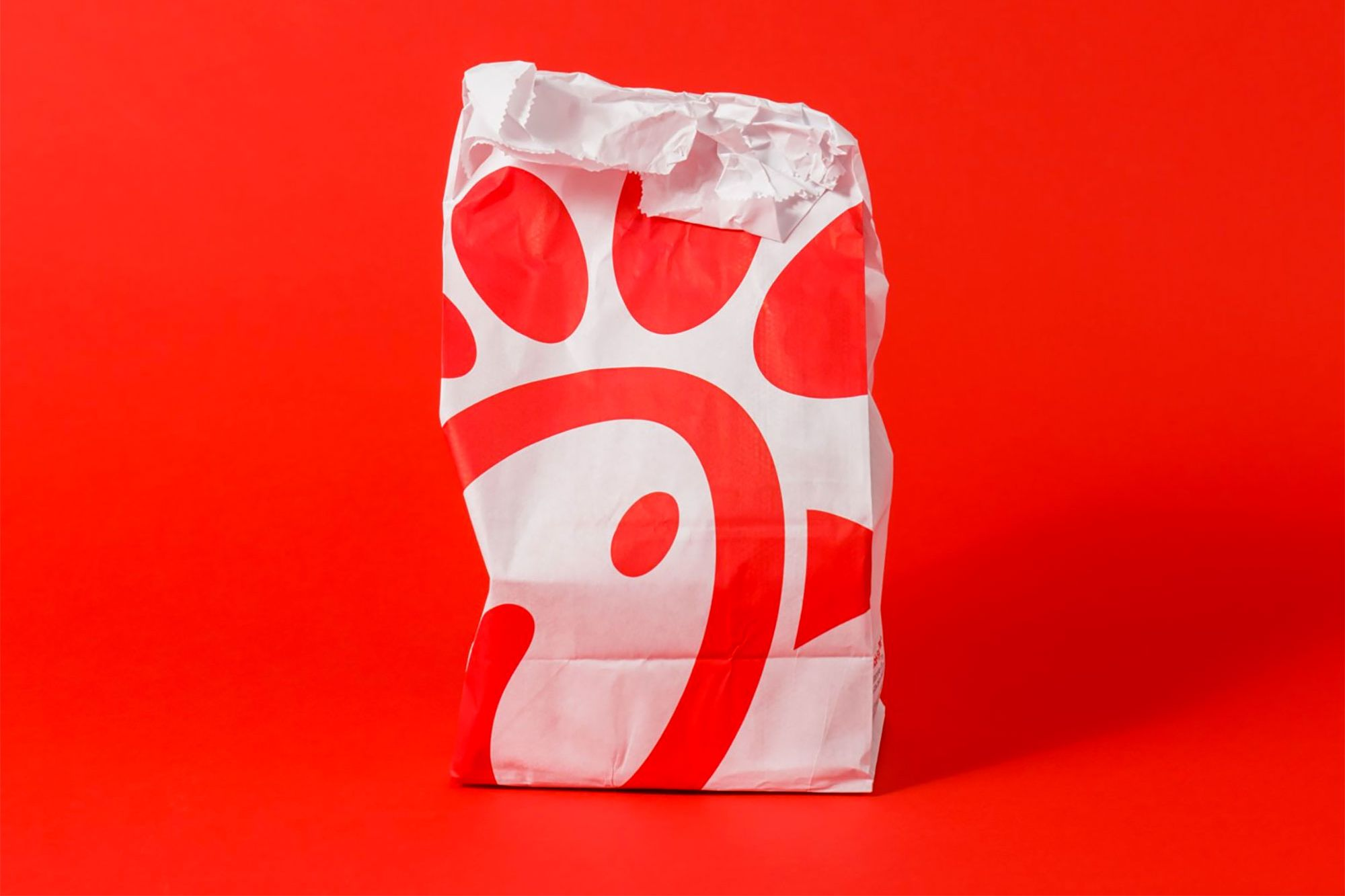 Chick-fil-A Is Now the 3rd-Largest Restaurant Chain in America, and McDonald's and Starbucks Should be Terrified