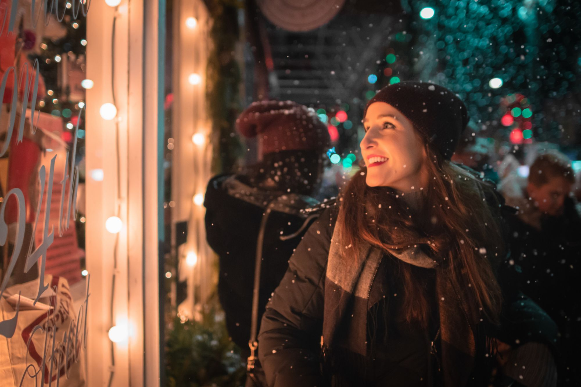 How to Win Holiday Season Marketing with Relevance and Timing