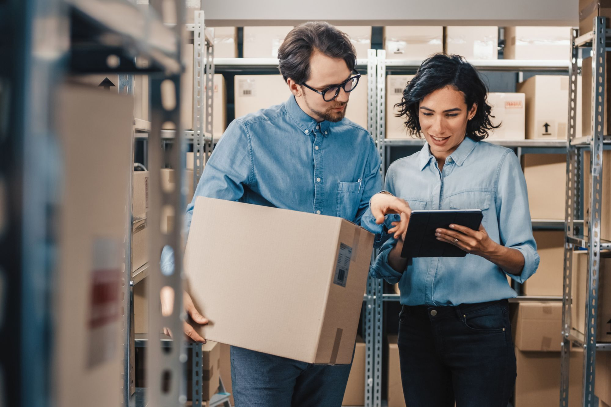 4 Must-Know Strategies for Selling Efficiently to Distributors