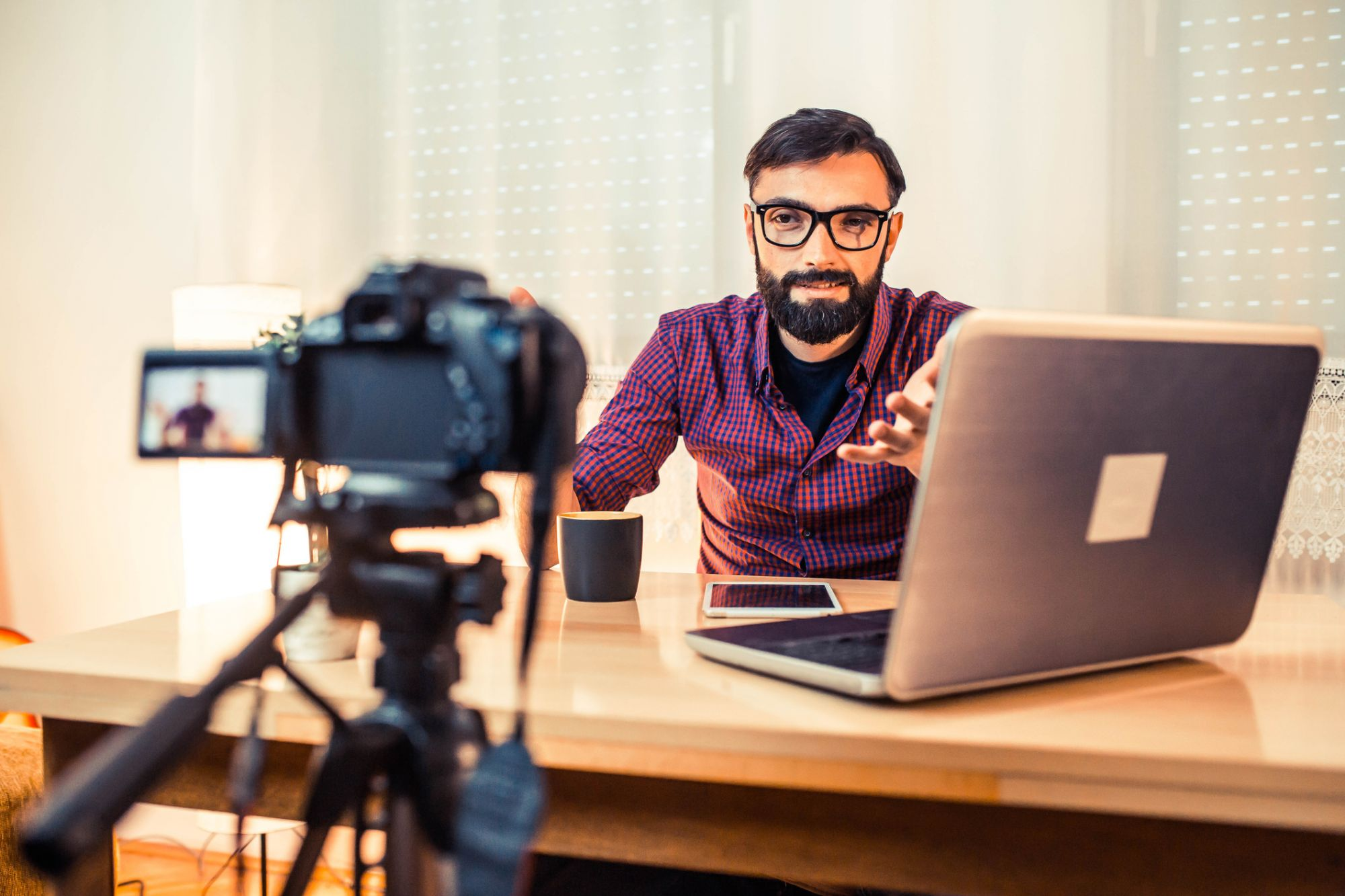 5 Ways Social Media Videos Will Benefit Your B2B Business in 2020