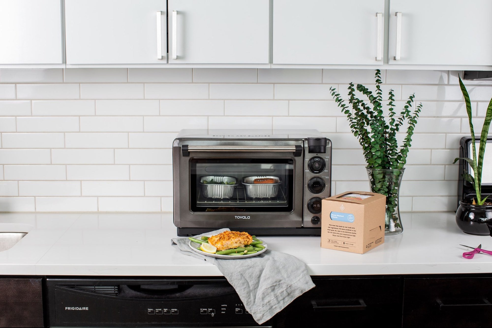 This Genius Smart Oven Is 2020's Instant Pot &#8212 And It's 32 Percent Off Today