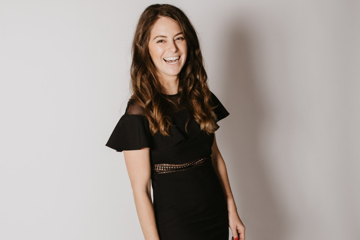What to Wear as a Female Content Creator: Zoe Kahn