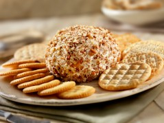 Lemon-Pineapple Cheeseball