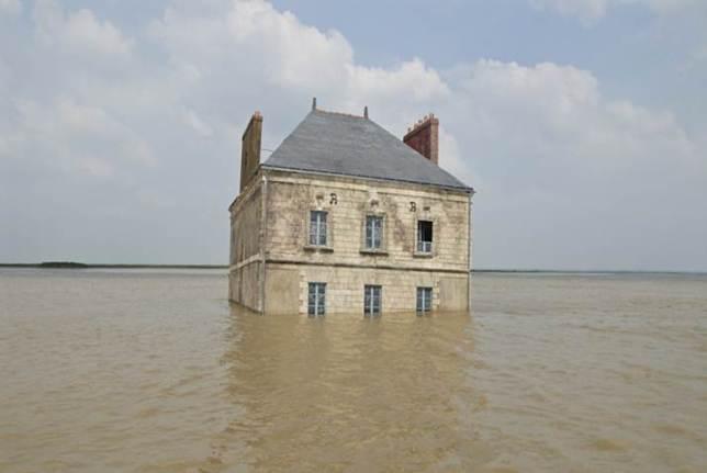 maison dans l'eau