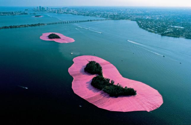 Christo et Jeanne-Claude, Surrounded Islands