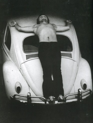Chris Burden, Trans-Fixed - Blasphème