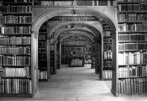 bibliothèque d'archives
