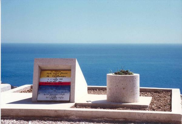 """La tombe de """"Corbu"""" Crédits : Fondation Le Corbusier"""
