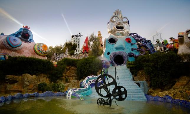 jardin sculpture nikki de saint phalle