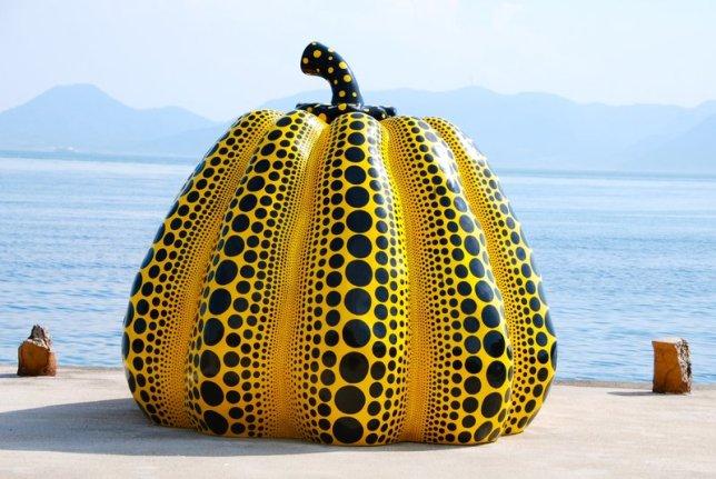 Yayoi kusama pumpkin