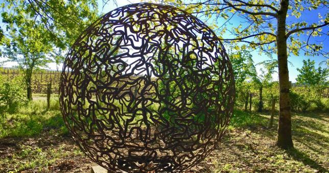 Sphère, Jordi, Château Smith Haut Lafitte, parcours Land Art