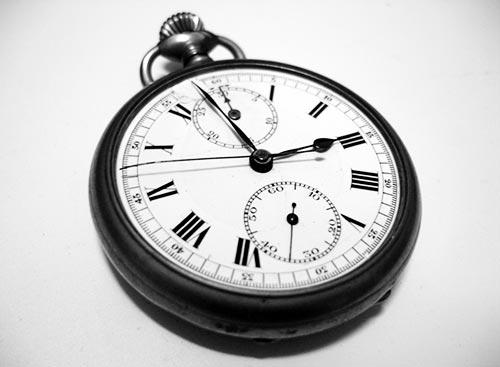 por-que-debes-usar-herramientas-automatizar-procesos-marketing-en-redes-sociales-ahorro-tiempo