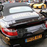 Gumball 3000 : belles voitures et people fortunés sur les routes d'Europe
