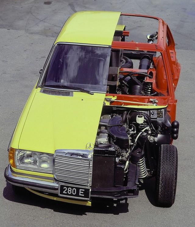 Mercedes Benz W123 cutaway