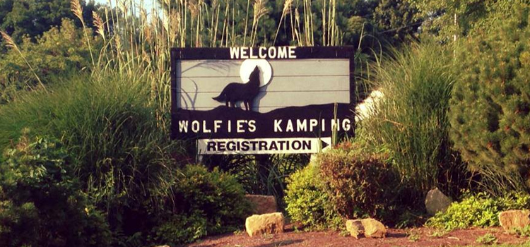 wolfie's camground, picture of the front sign at wolfie's campground