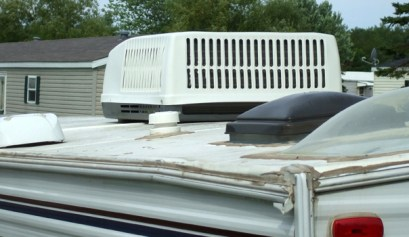 how to repair your broken rv rooftop vents, picture of a broken rv rooftop vents