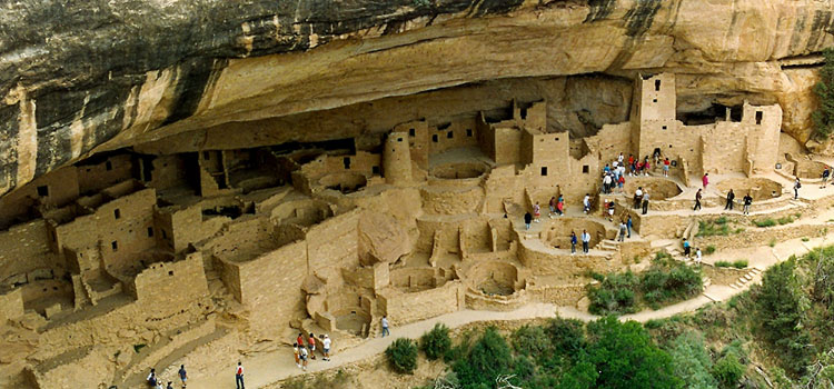 In the Footsteps of the Anasazi: Travelling the Cliff Dwellings