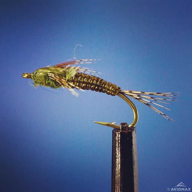Learn how to tie a stalcups baetis video and receipe